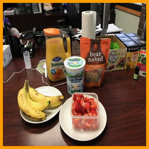 Breakfast photo - US office_square